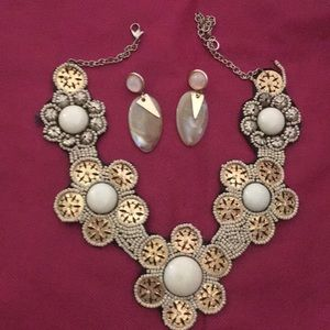 Set of earring and necklace